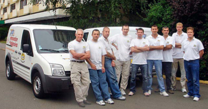 Equipe de Ma baignoire pour la rénovation et réémaillage